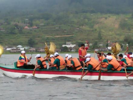 Tim Busungbiu ambil bagian Di Twin Lake Festival Buyan Ke - 5 katagori Lomba Pedau